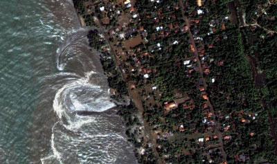 Receding water after the tsunami in Kulatara, Sri Lanka